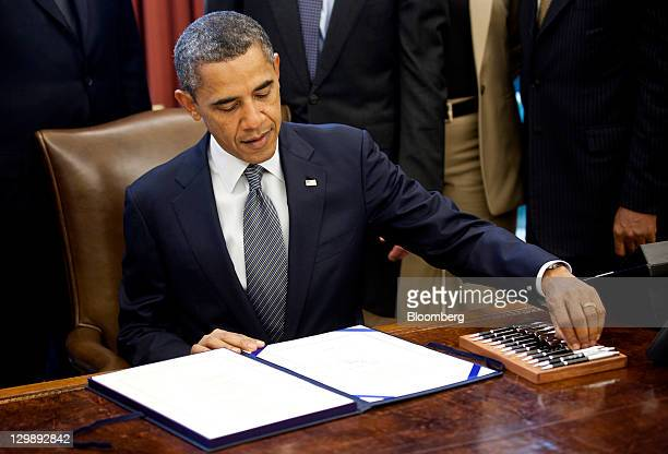 Obama Signs Korea Panama And Colombia Free Trade Agreements Stock