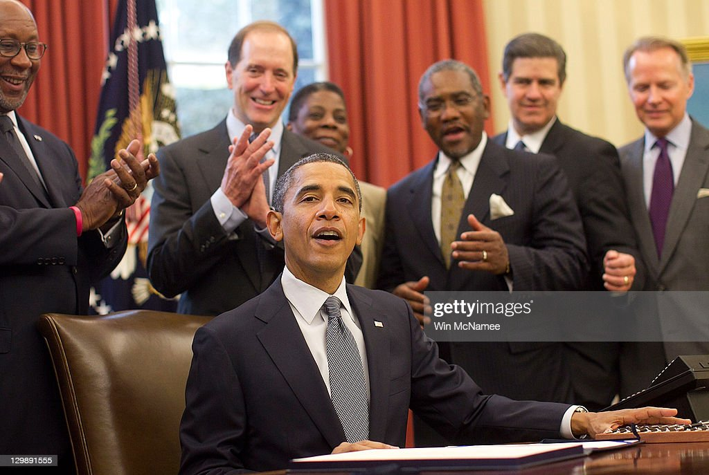 Obama Signs Korea Panama And Colombia Free Trade Agreements Photos