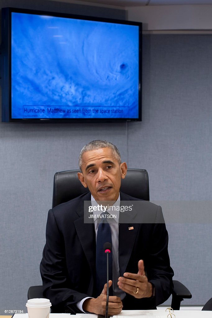 US President Barack Obama speaks about Hurricane Matthew after receiving a briefing at the Federal Emergency Management Agency (FEMA) Headquarters in Washington, DC, October 5, 2016. / AFP / JIM
