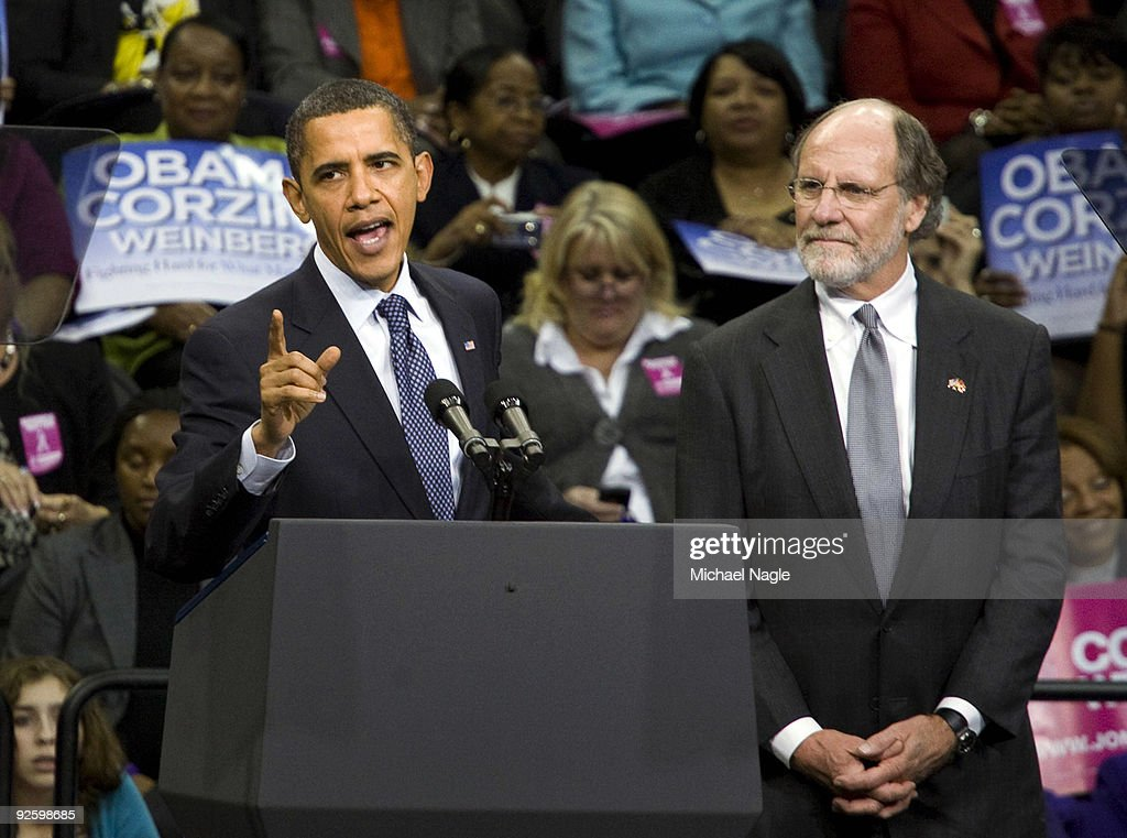 Obama Speaks At Campaign Rally For NJ Gov. Corzine