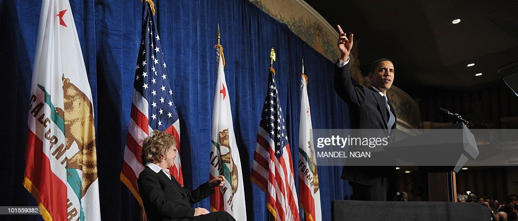 US President Barack Obama speaks at a fundraiser for Senator Barbara Boxer (L) and the Democratic Senatorial Campaign Committee May 25, 2010 at the Fairmont Hotel in San Francisco. AFP PHOTO/Mandel NGAN