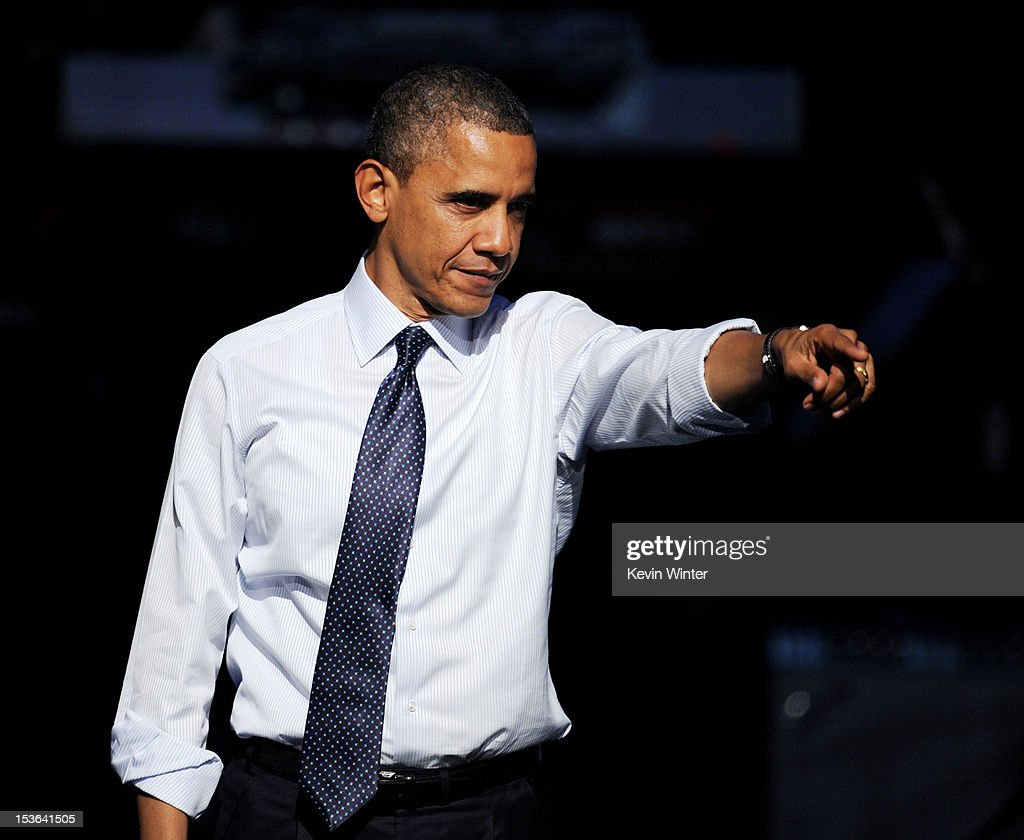 """Obama For America """"30 Days To Victory"""" Fundraising Concert In Los Angeles : News Photo"""