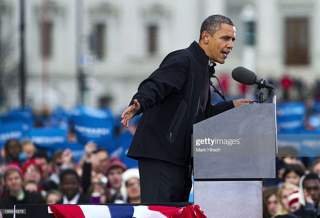 Obama Campaigns In Midwest Swing States One Day Before Election Day : News Photo