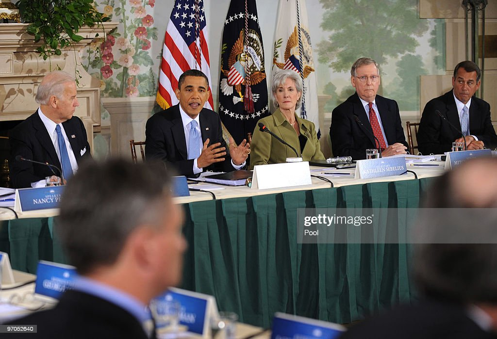 Obama Hosts Bi-Partisan Health Care Meeting : News Photo