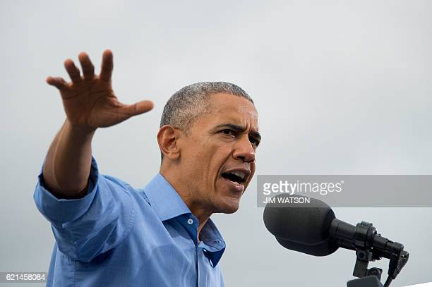 US President Barack Obama speaks in Kissimmee Florida November 6 during a Hillary for America campaign event / AFP / JIM WATSON