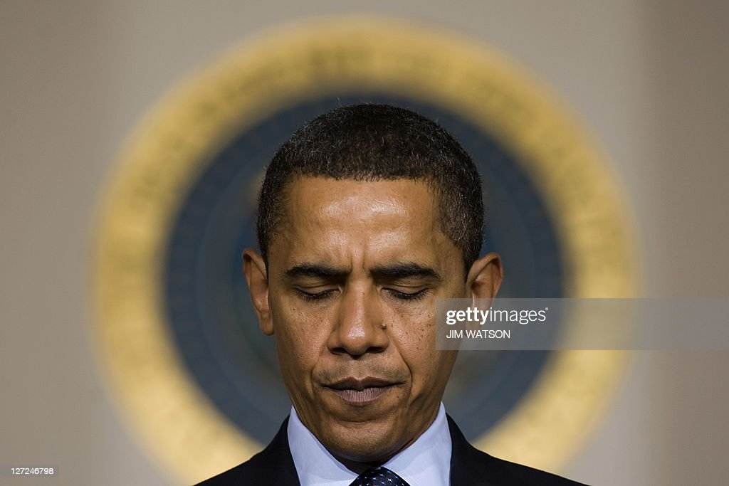 US President Barack Obama speaks regardi : News Photo