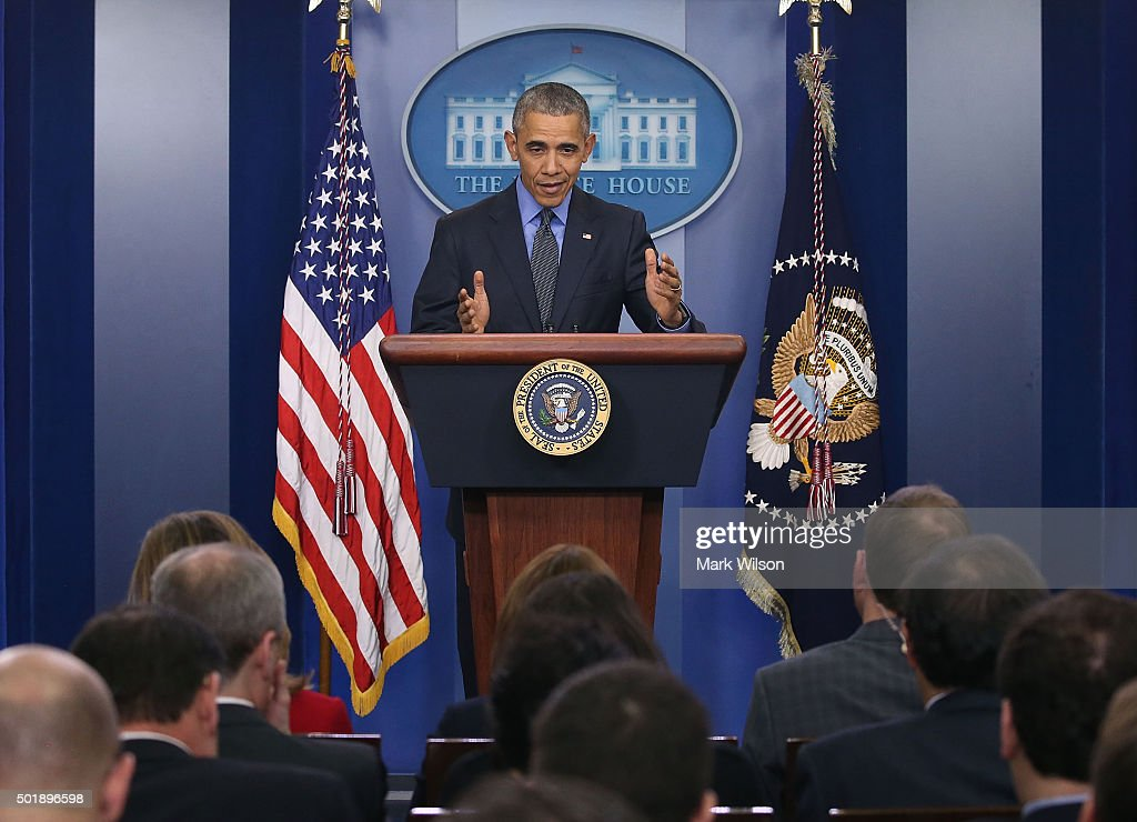 U.S. President Barack Obama speaks to the media at his year end press conference in the Brady Briefing Room at the White House December 18, 2015 in Washington, DC. Later today President Obama will travel to San Bernardino, California, to meet with families of the 14 victims of the recent mass shooting, before heading to Hawaii for Christmas vacation and return on January 3, 2016.