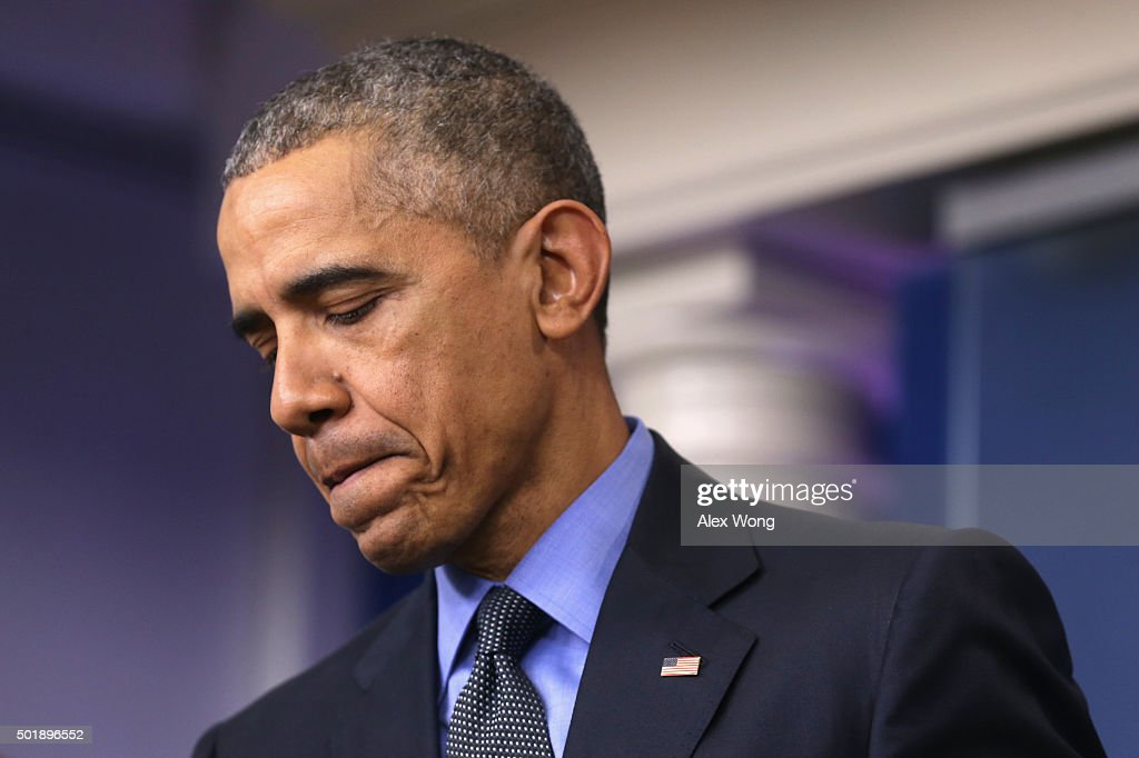 U.S. President Barack Obama speaks to the media during his year end news conference in the Brady Briefing Room at the White House December 18, 2015 in Washington, DC. Later today, Obama will travel to San Bernardino, California to meet with families of the 14 victims of the recent mass shooting, before departing to Hawaii for Christmas vacation, returning January 3, 2016.