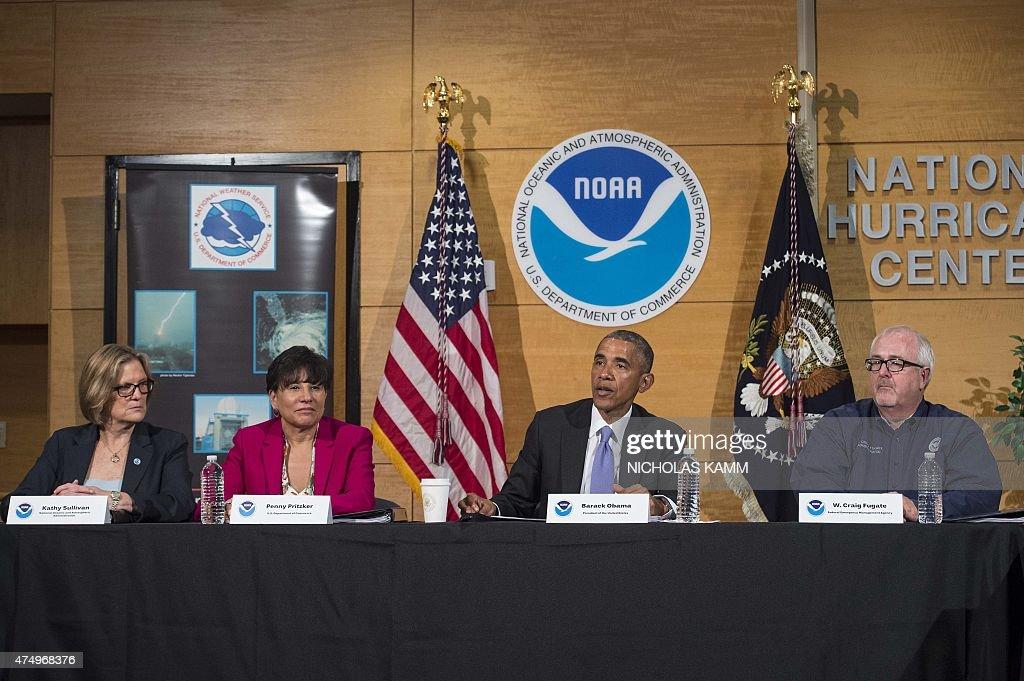 US-POLITICS-WEATHER-OBAMA : News Photo