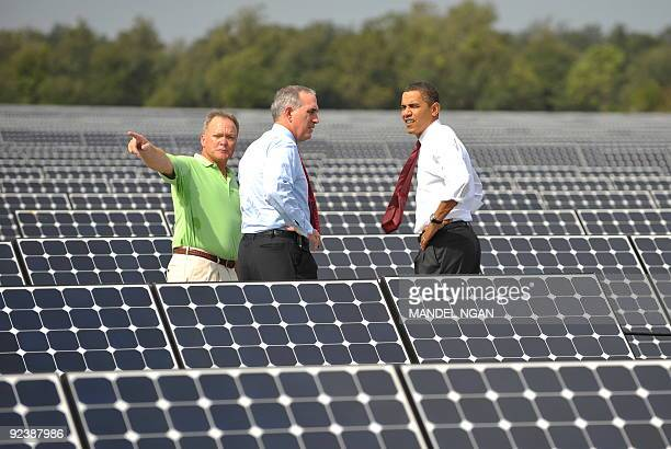 US President Barack Obama tours the DeSoto Next Generation Solar Energy Center with Lewis Hay chairman and CEO of Florida Power and Light and DeSoto...