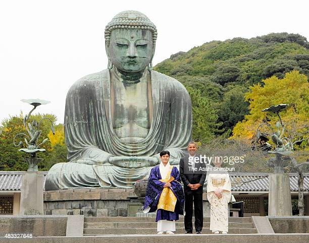 US President Barack Obama visits the Great Buddha statue at Kotokuin Temple on November 14 2010 in Kamakura Kanagawa Japan