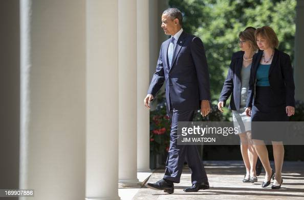 Us president barack obama walks out of the oval office - When is obama out of office ...