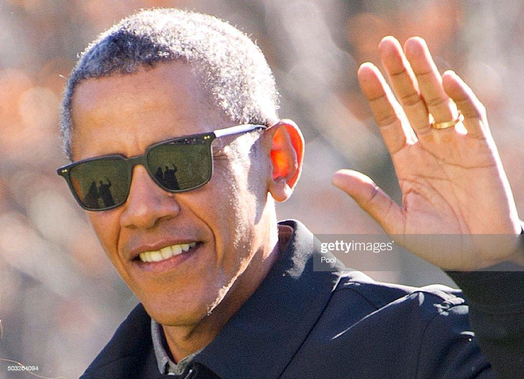 Obamas Return From Hawaii Vacation : News Photo