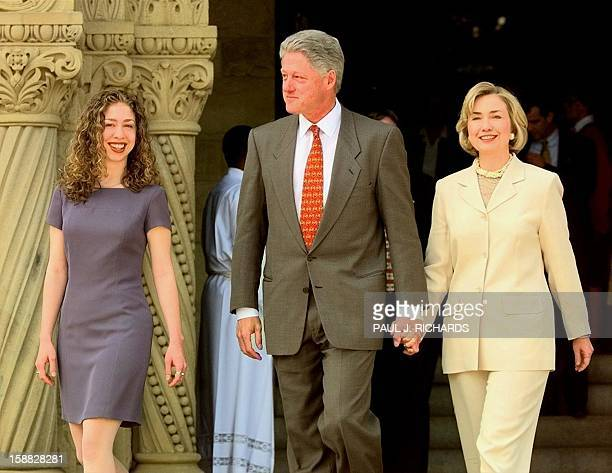 US President Bill Clinton First Lady Hillary Rodham Clinton and their daughter Chelsea leave Stanford Memorial Church 03 May at Stanford University...