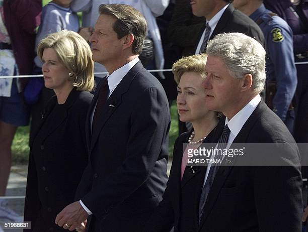 President Bill Clinton First Lady Hillary Rodham Clinton Democratic presidential candidate and US Vice President Al Gore and his wife Tipper Gore...