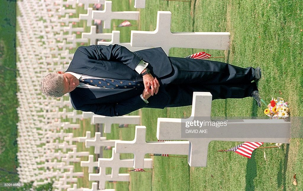 US President Bill Clinton in a picture taken 13 No : News Photo