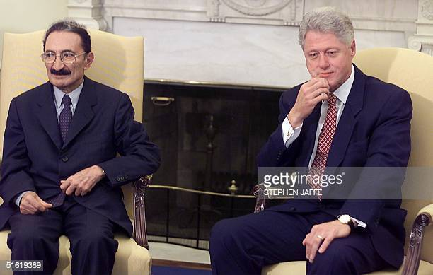President Bill Clinton is pictured with Turkish Prime Minister Bulent Ecevit in the Oval Office 28 September 1999 in Washington DC Clinton and Ecevit...