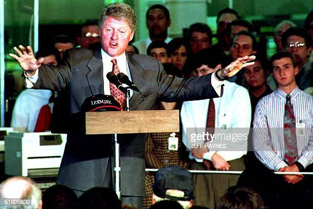 S President Bill Clinton talks to the employees of Lexmark International 04 November 1993 in a 'Town Hall' in Kentucky setting taking and answering...