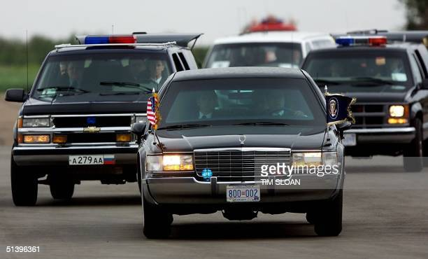 President Bill Clinton's motorcade arrives at Vnukovo Airport after a private vist with former Russian President Boris Yeltsin 05 June 2000 in Moscow...