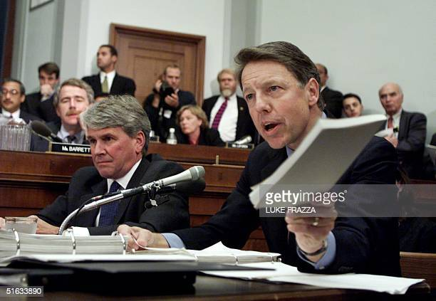 President Bill Clinton's private attorney David Kendall questions Independent Counsel Kenneth Starr before the House Judiciary Committee on...