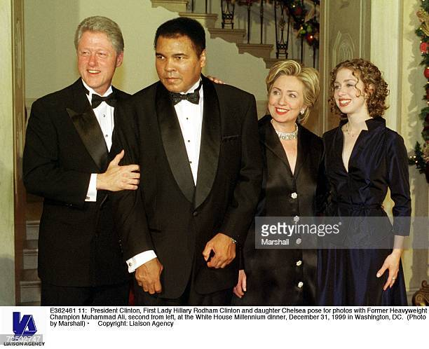 President Clinton First Lady Hillary Rodham Clinton and daughter Chelsea pose for photos with Former Heavyweight Champion Muhammad Ali second from...