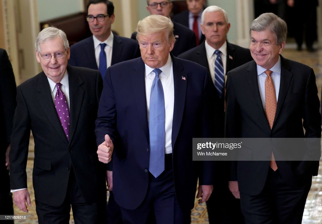 President Trump Meets With GOP Lawmakers On Capitol Hill On Coronavirus Plan : Nieuwsfoto's