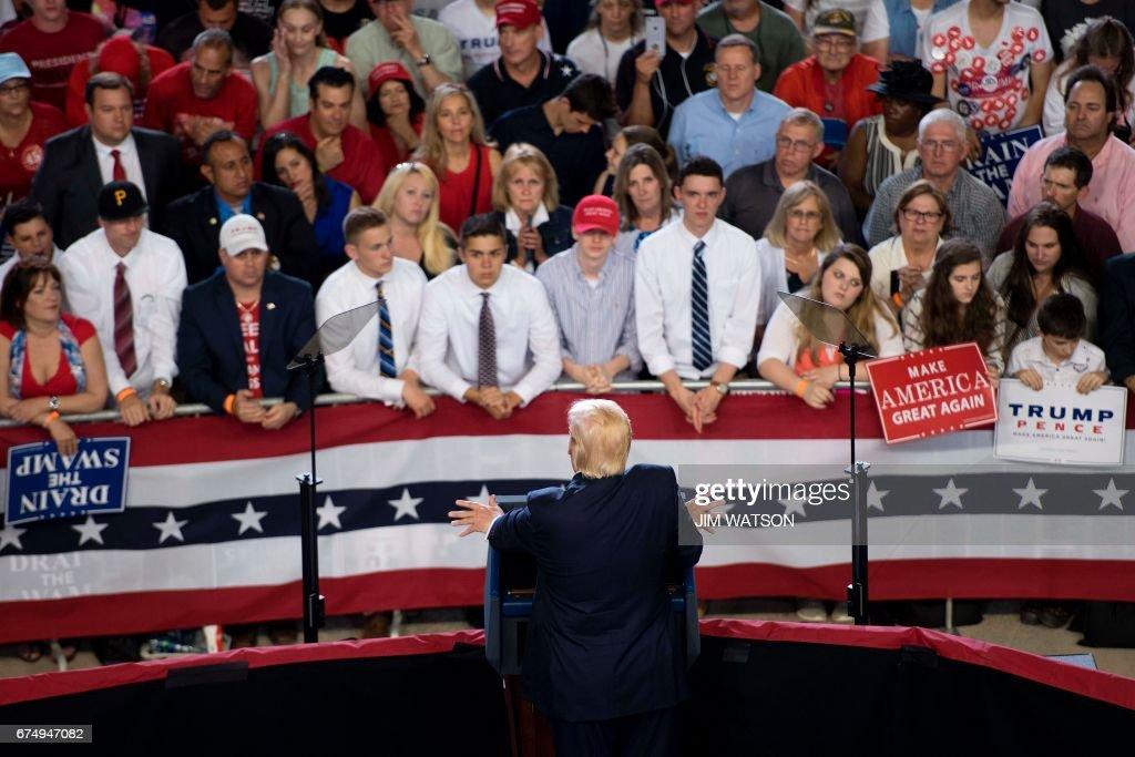 US-POLITICS-TRUMP-100DAYS : News Photo