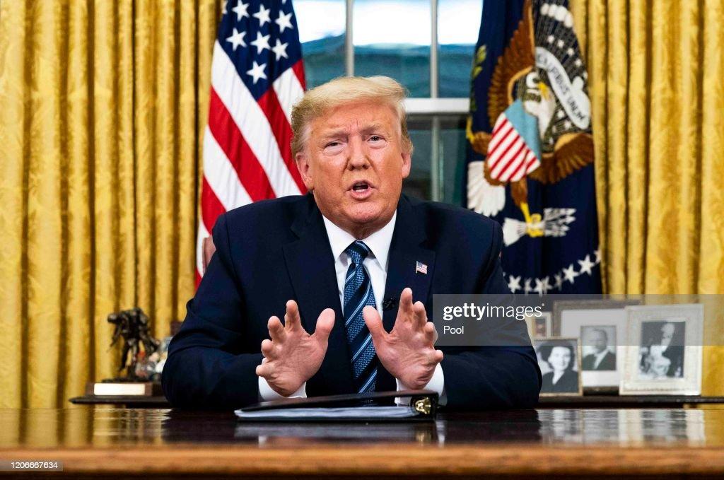 President Trump Addresses Nation From White House On Coronavirus : ニュース写真