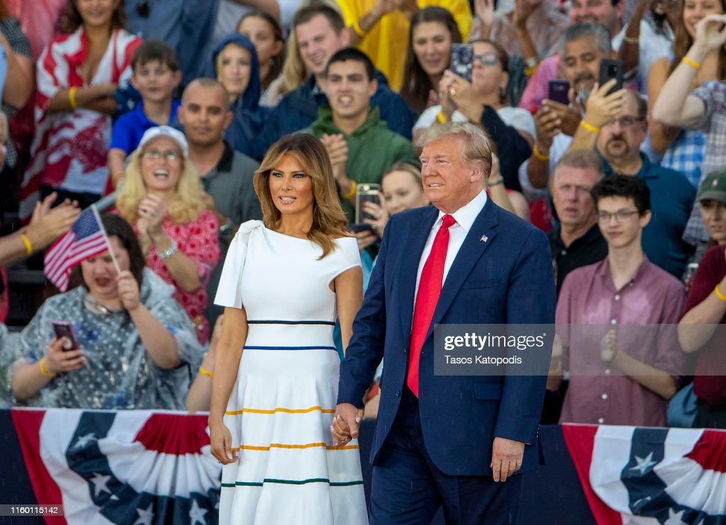 President Trump Delivers Address At Lincoln Memorial On Independence Day : News Photo