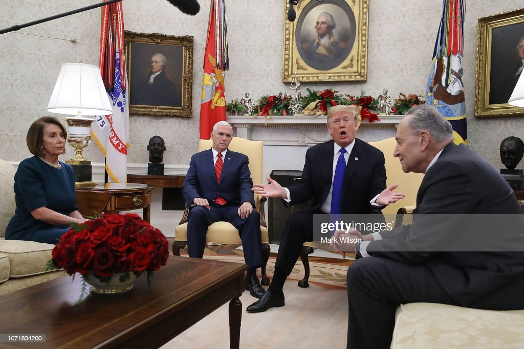 President Trump Meets With Nancy Pelosi And Chuck Schumer At White House : Photo d'actualité