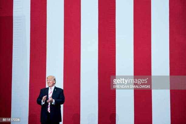 US President Donald Trump arrives at a rally for Senator Luther Strange at the Von Braun Civic Center September 22 2017 in Huntsville Alabama Trump...