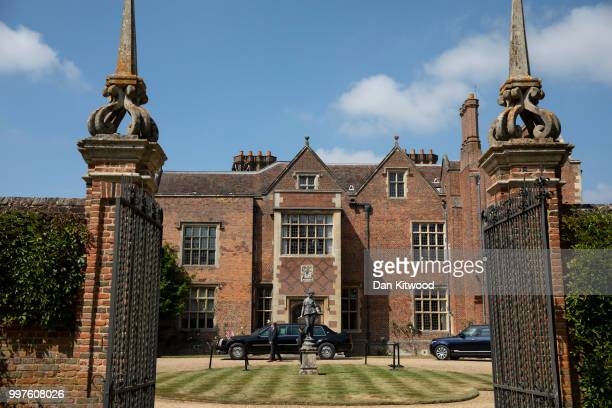 S President Donald Trump arrives at Chequers to meet British Prime Minister Theresa May on July 13 2018 in Aylesbury England US President Donald...