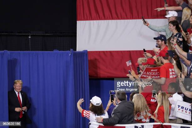 S President Donald Trump arrives for a rally at the Nashville Municipal Auditorium May 29 2018 in Nashville Tennessee Earlier in the day President...