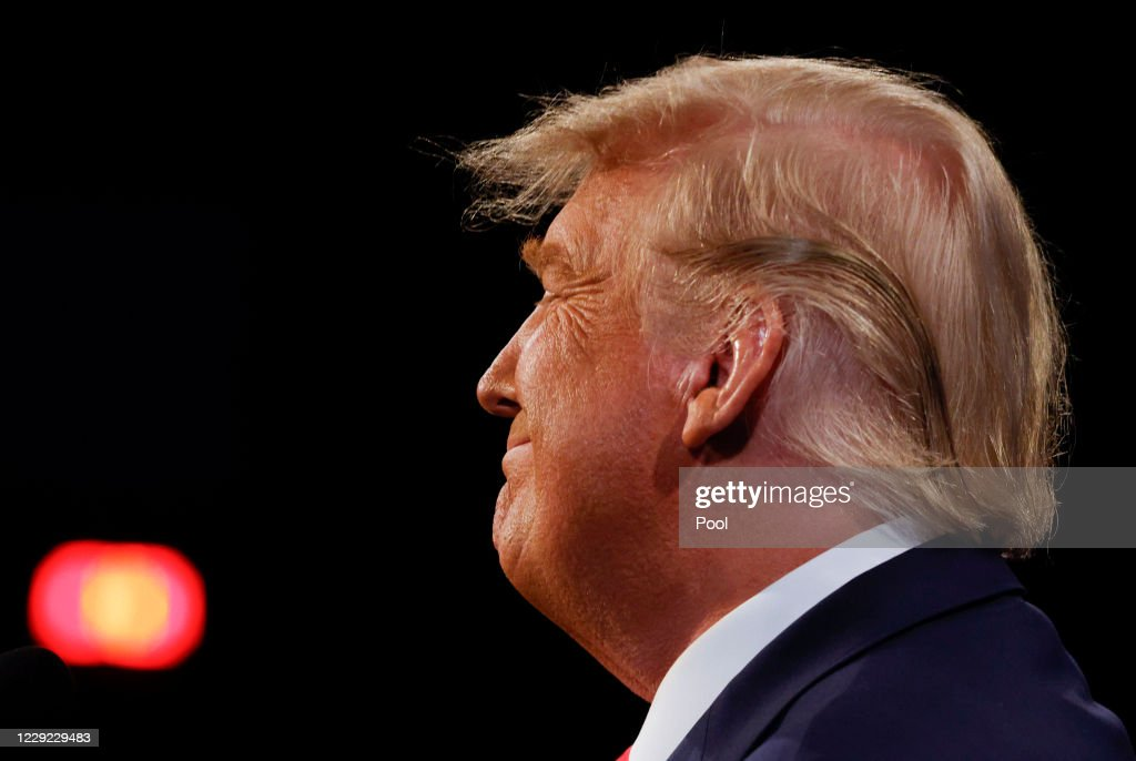 Donald Trump And Joe Biden Participate In Final Debate Before Presidential Election : ニュース写真