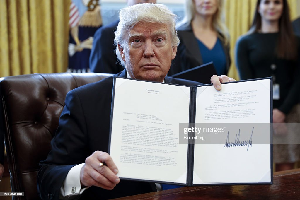 President Trump Signs Executive Order In The Oval Office : News Photo