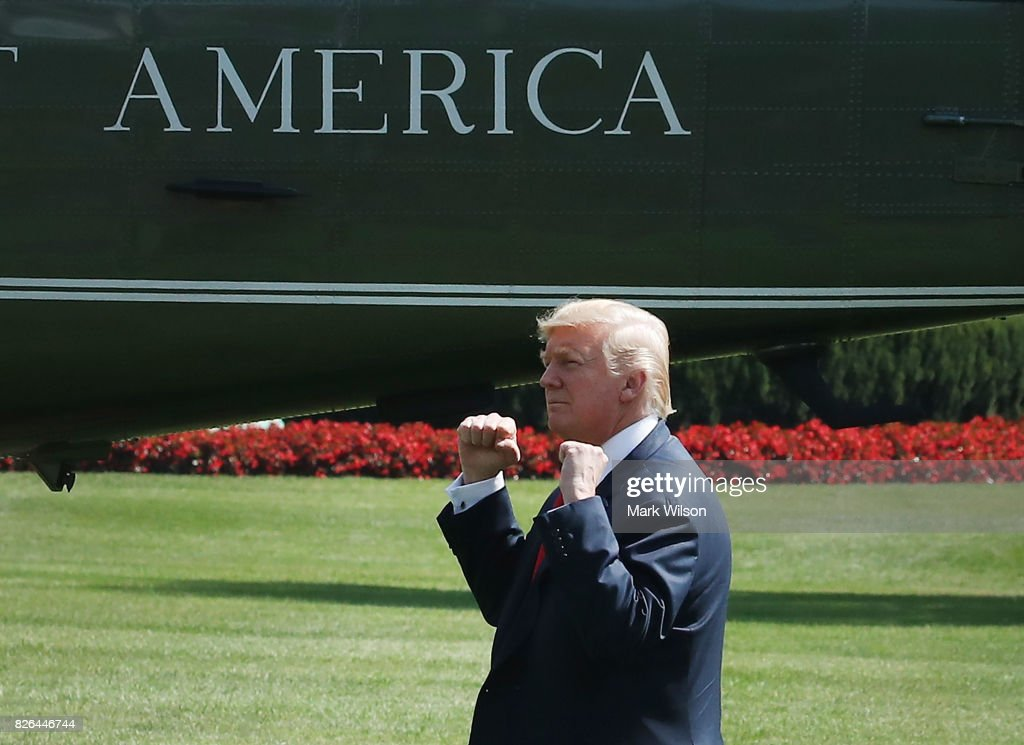 President Trump Departs White House For Bedminster, NJ Vacation : ニュース写真