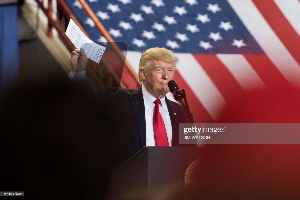 US-POLITICS-TRUMP-100DAYS : Fotografía de noticias