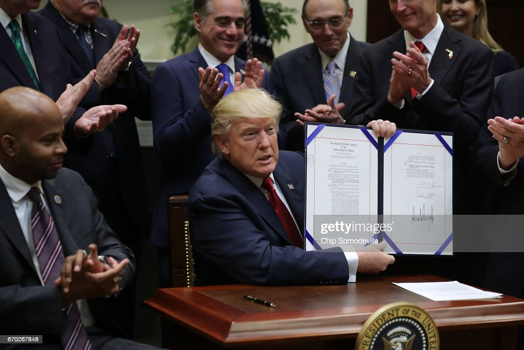 President Trump Signs Executive Order On Veterans Choice Program And Improvement Act