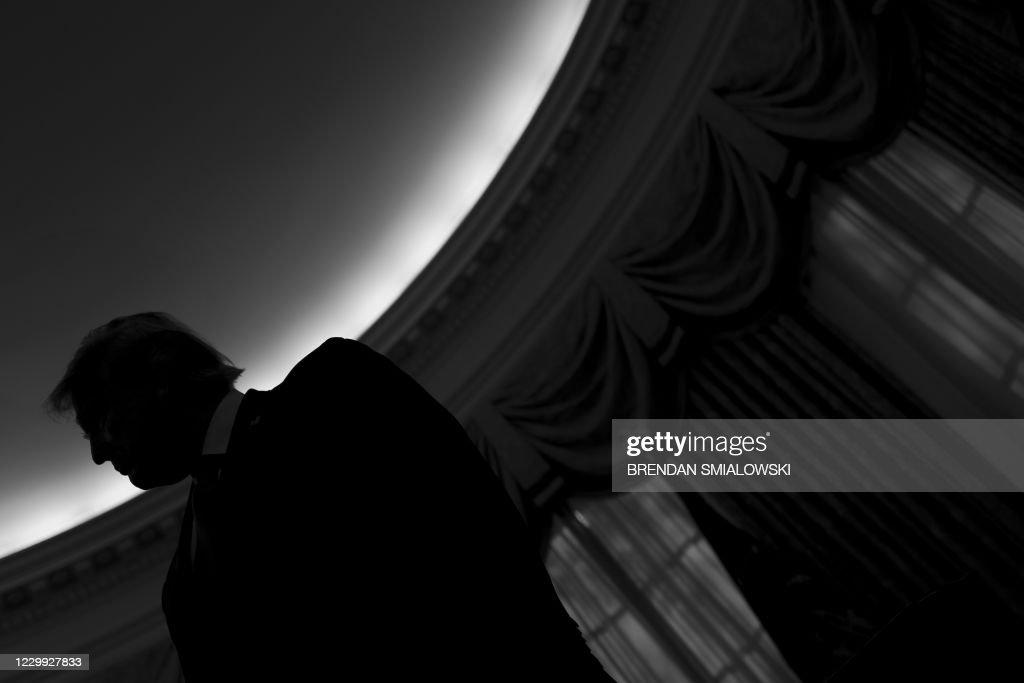 us-politics-trump-medal-holtz-award : News Photo