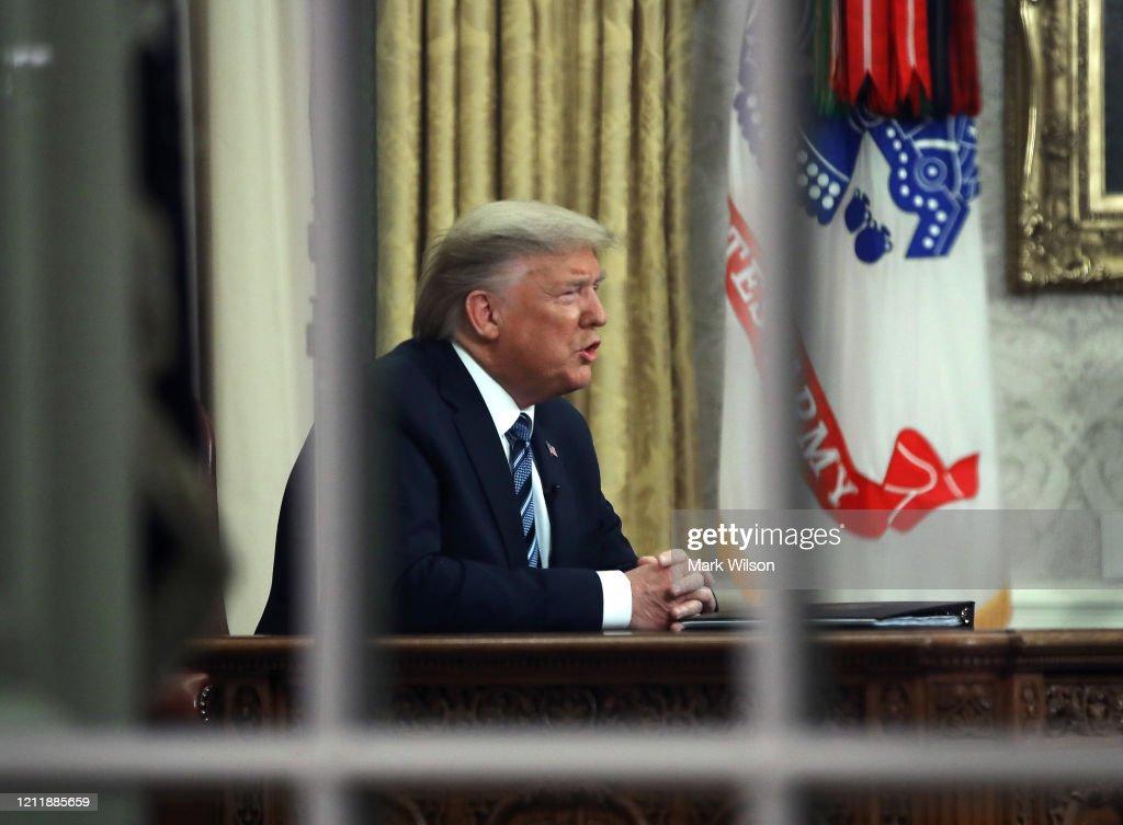 President Trump Addresses Nation From White House On Coronavirus : News Photo