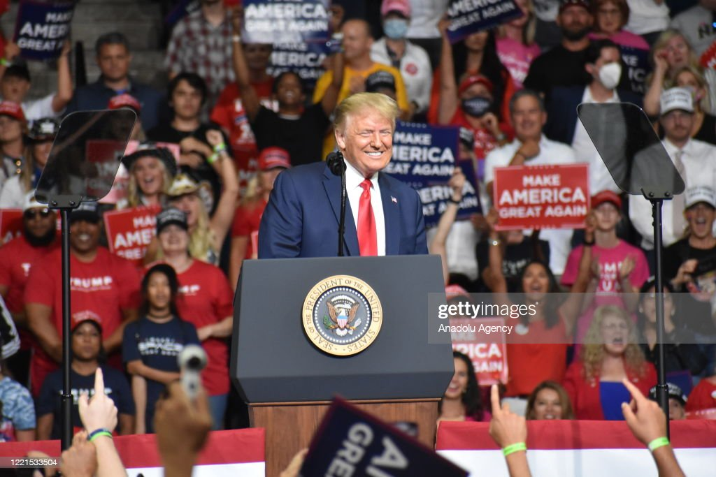 U.S. President Trump holds rally in Tulsa, Oklahoma : ニュース写真
