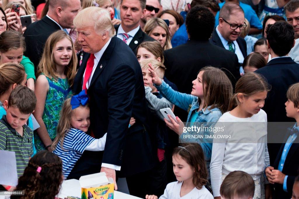 US-POLITICS-TRUMP-EASTER EGG ROLL : ニュース写真
