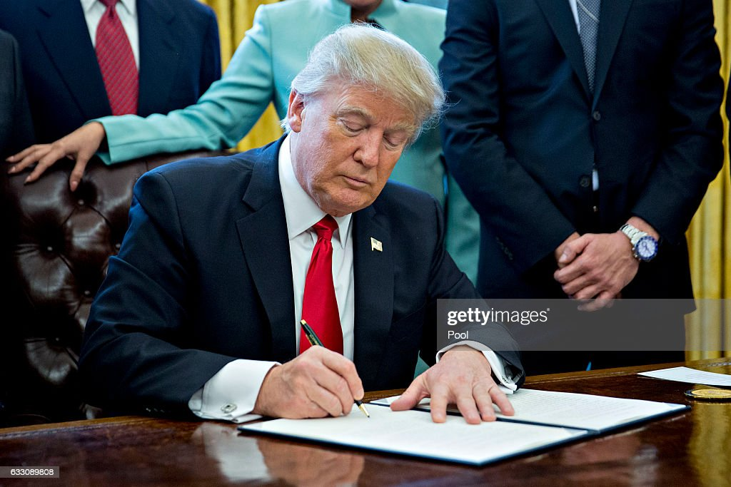 President Trump Signs Executive Order In Oval Office Of The White House : News Photo