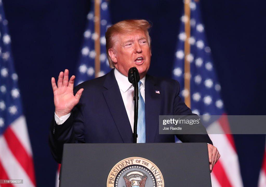 "Trump Campaign Launches ""Evangelicals For Trump"" Coalition In Miami : ニュース写真"