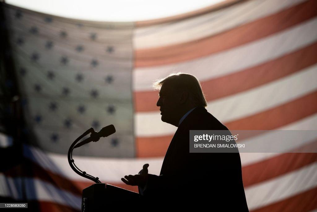 TOPSHOT-us-politics-vote-trump : News Photo