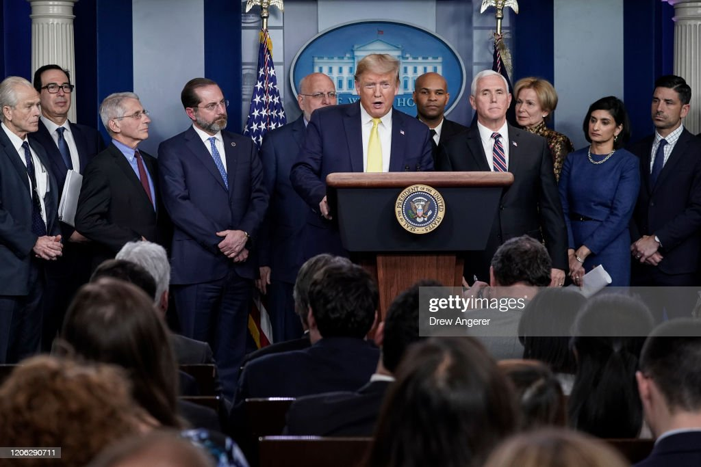 President Trump Joins Coronavirus Task Force Briefing At White House : Nieuwsfoto's
