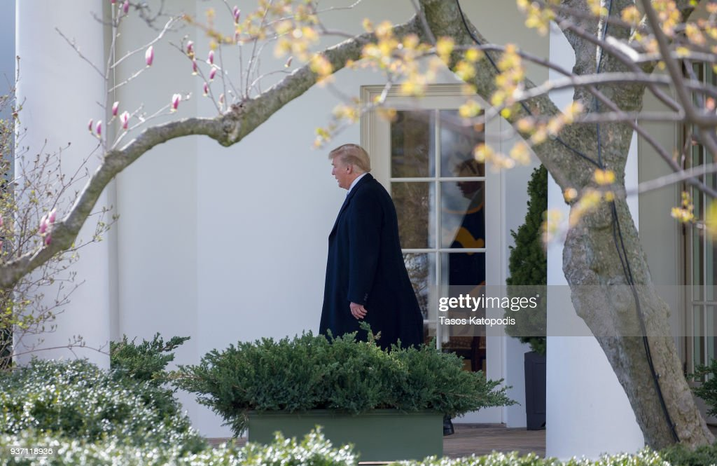 President Trump Departs The White House For Mar-A-Lago : News Photo