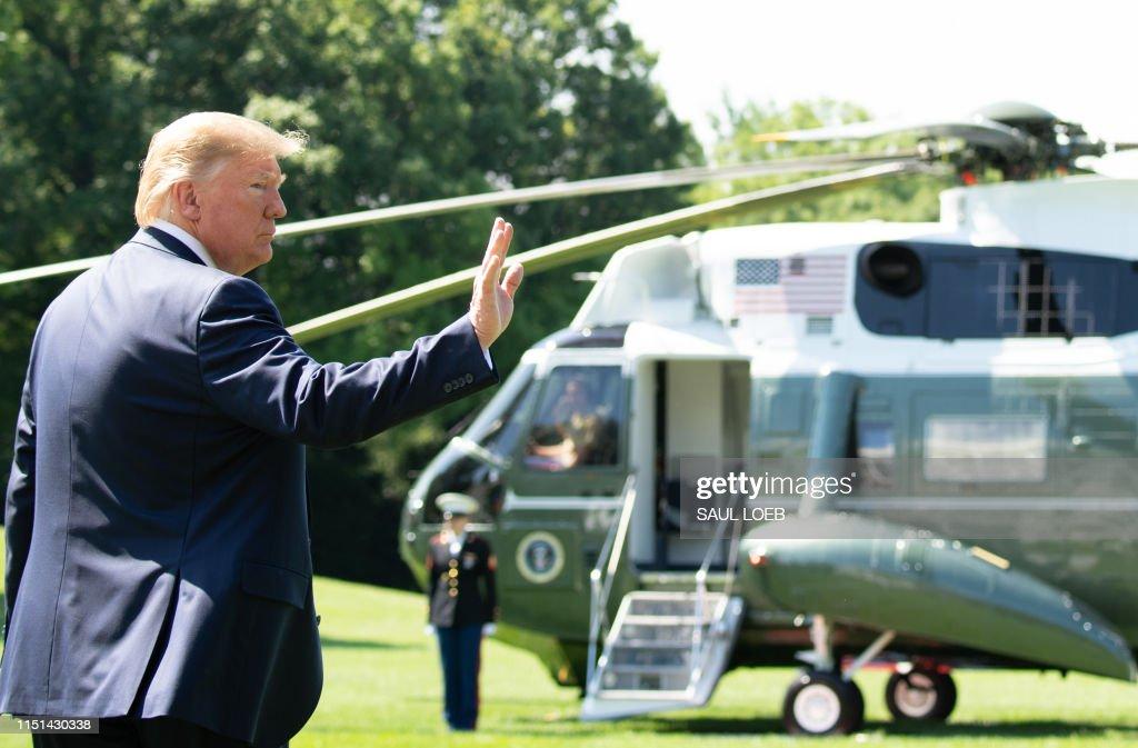us-politics-trump-departure : News Photo