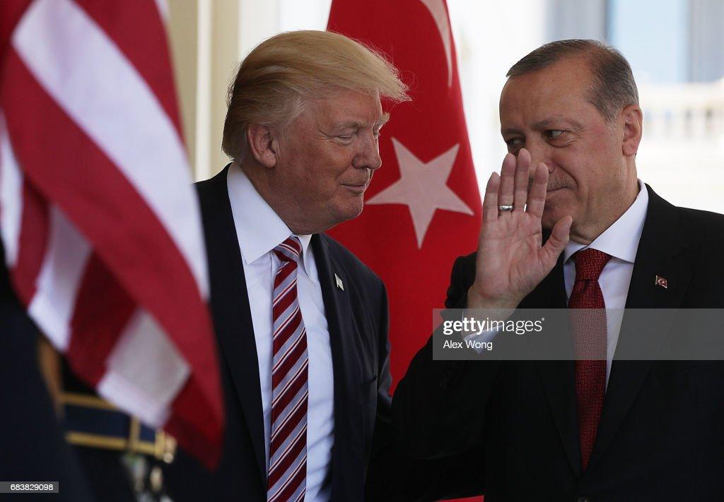 President Trump Hosts Turkey's President Erdogan At The White House : Foto di attualità