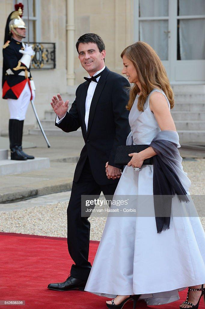 Hollande hosts state dinner honoring Queen : News Photo